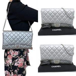 Authentic Chanel Silver flap #01870
